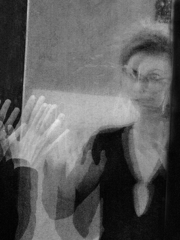 1394833 568525466535805 26899110 n В Муниципальной галерее г. Сумы открывается выставка Елены Алмазовой Камикадзе